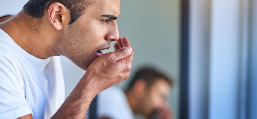 Причины неприятного запаха изо рта мужчины. Способы решения