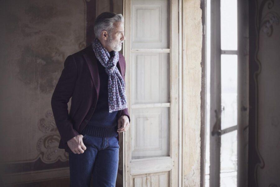 Какой выбрать и как носить мужской шарф