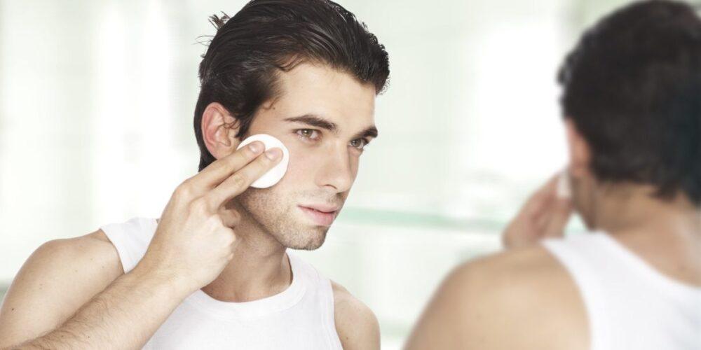 Причины шелушения кожи на лице у мужчины