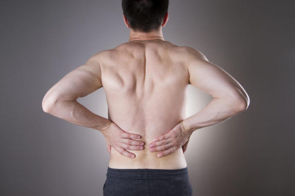Позвоночник мужчины. Причина болей. Возможные болезни спины