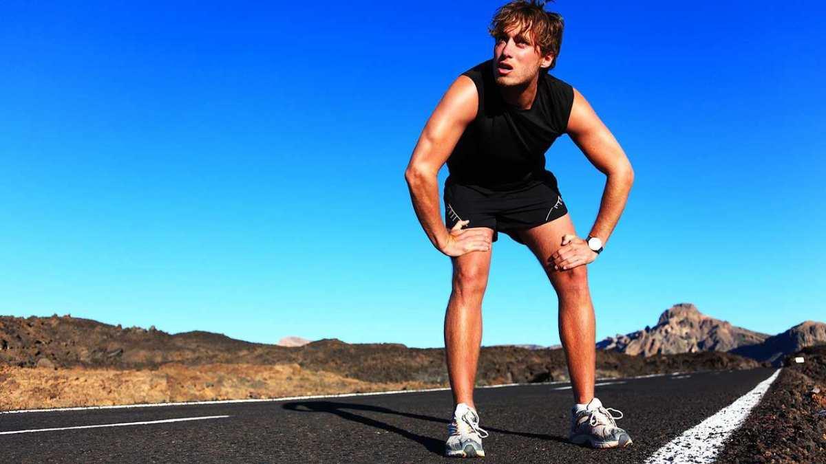 Как мужчине избавиться от потливости ног
