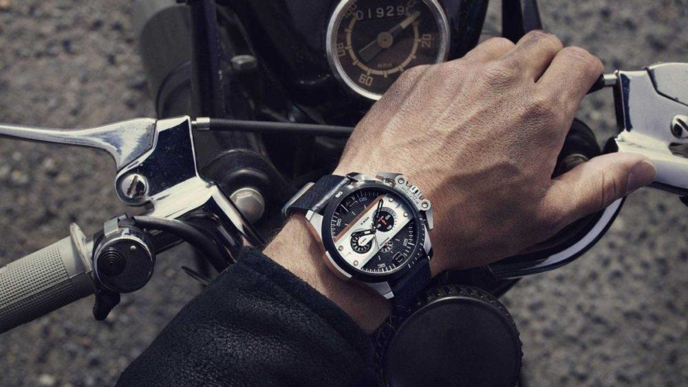 На какой руке носить мужские часы