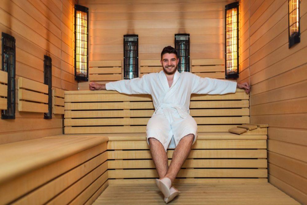 Как выбрать мужской банный халат