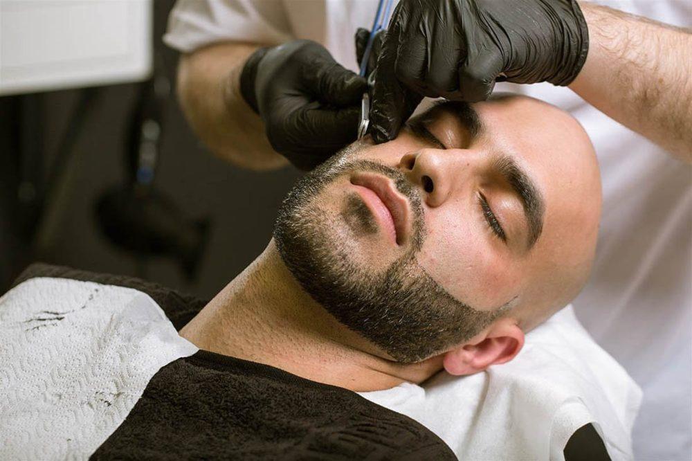 Как делают татуаж бороды