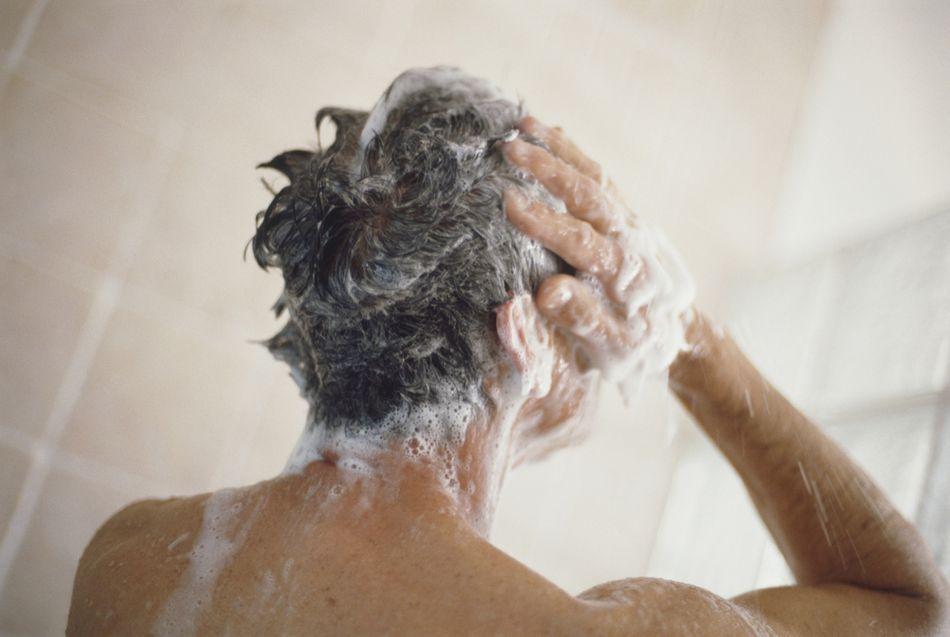 Нужно ли ежедневно мыть волосы