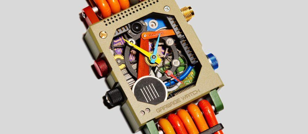 Часы Vollebak из переработанного электронного мусора