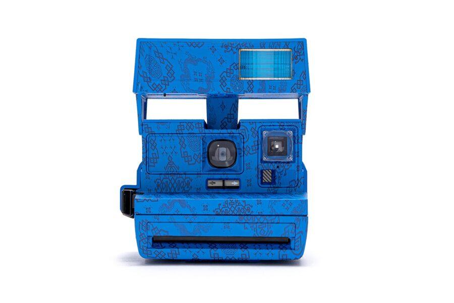 CLOT выпустит три камеры Polaroid 600 Silk Royale