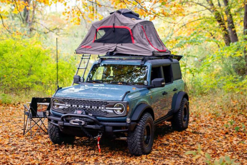 Концепт Ford Bronco Overland с палаткой на крыше и зубастыми колесами для путешествий